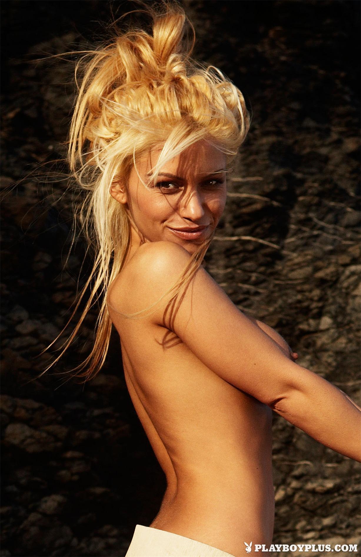 миниатюрная и сексуальная Девушка месяца Вера Димова - Playboy Bulgaria 2013
