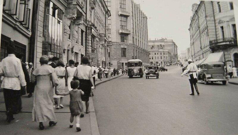 587672 Улица Горького 1935.jpg