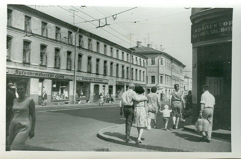 93535 Книжные магазины на Сретенке 60-е.jpg