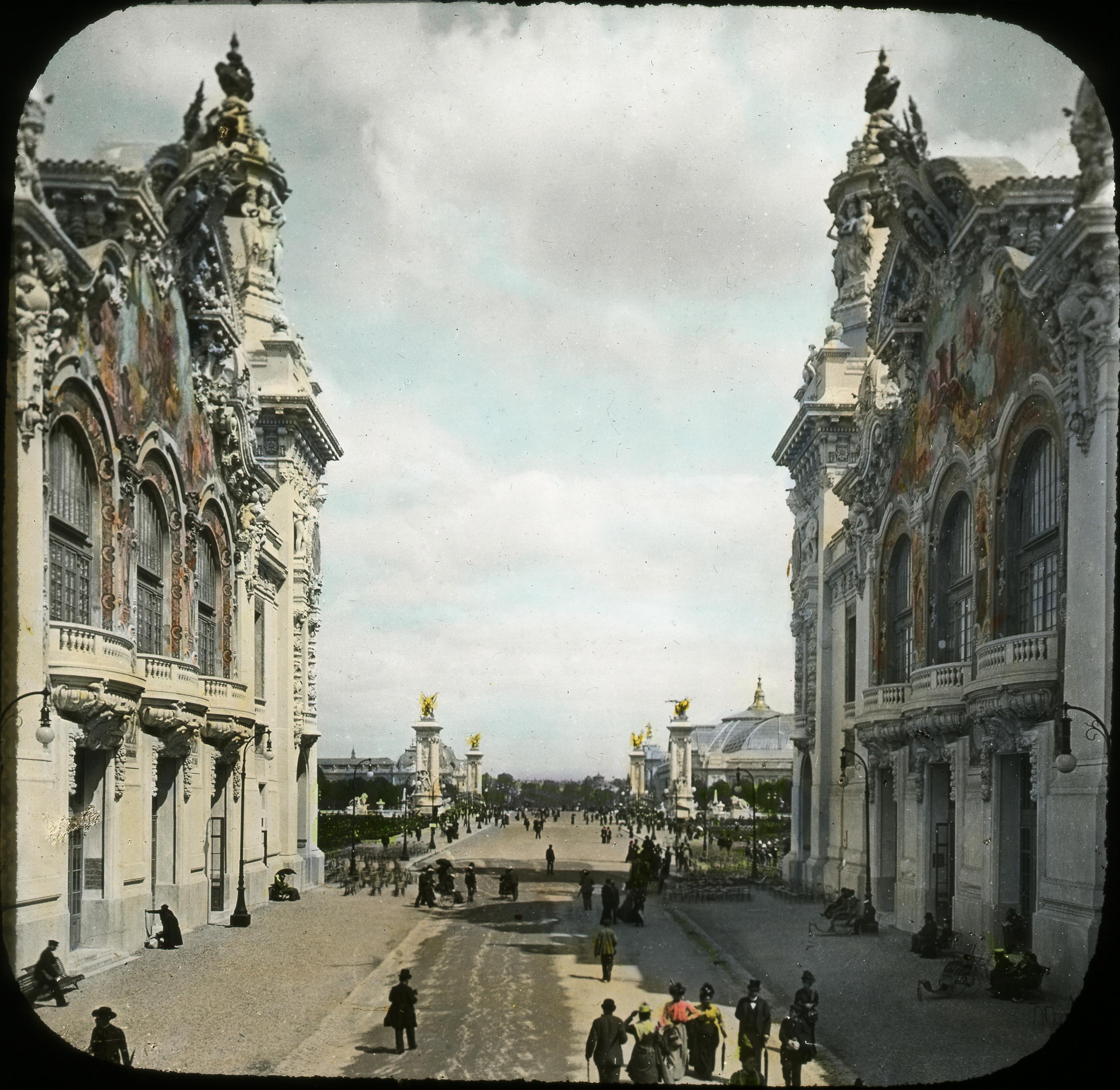 Дворцы и мост Александра III