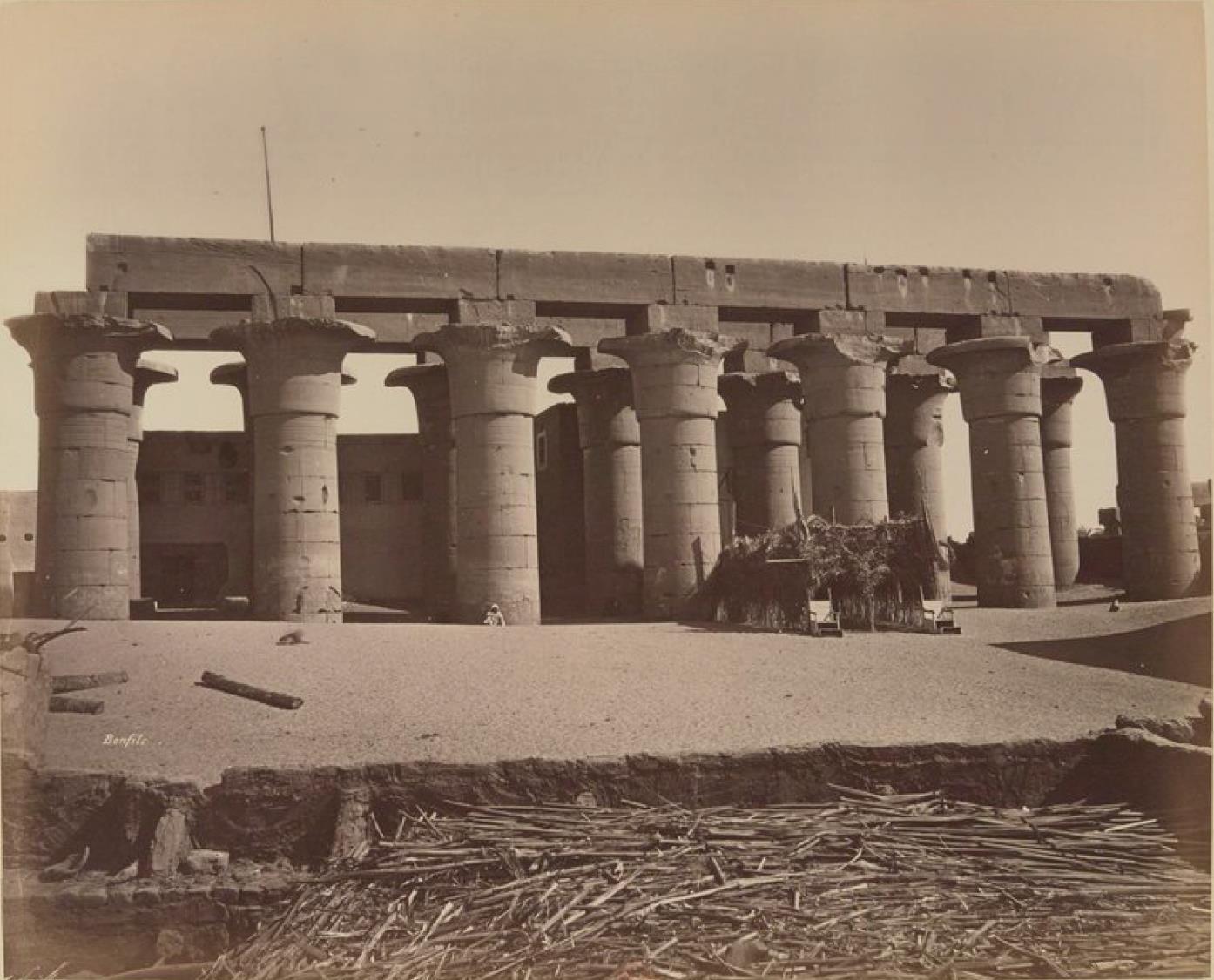Луксор. Главные колонны