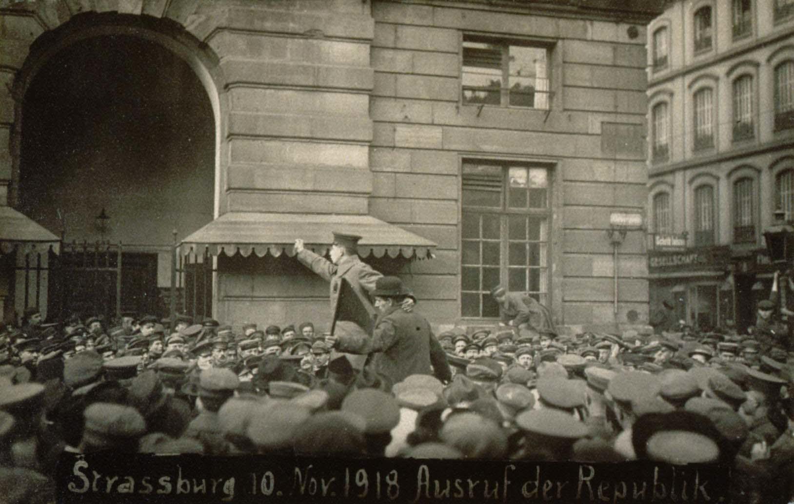 Proclamation_république_10_novembre_1918.jpg