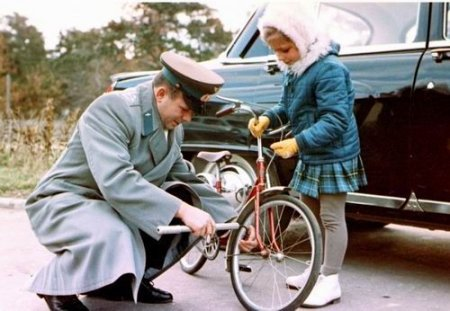 Yuri Gagarin - bicycle.jpg