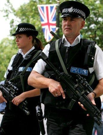 Police_armed_uk.jpg