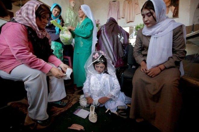 Истории замужних девочек редко становятся достоянием общественности, но если это происходит, то обыч
