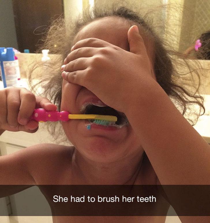 «Ей пришлось чистить зубы».