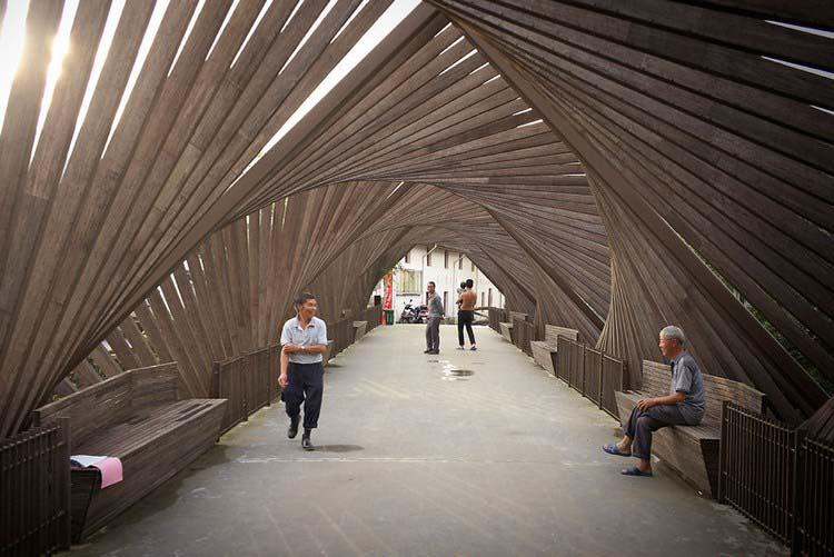 Китайский ответ кирпичу: в Поднебесной из бамбука построили мини-город (13 фото)