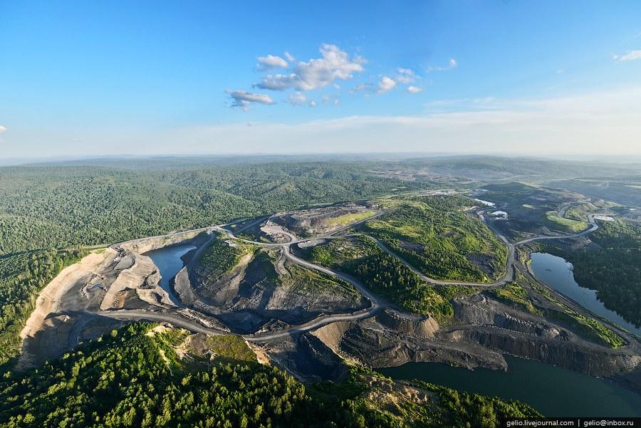 Кедровский угольный разрез . Разрез расположен в 25 км севернее Кемерово. Среднегодовая добыча