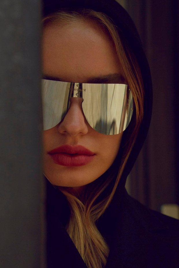 Соня Есьман для Versace