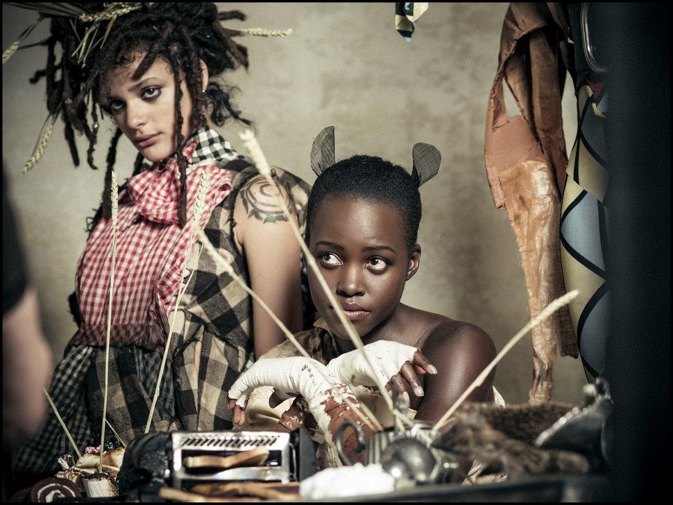 Актрисы Саша Лейн (Sasha Lane) — Мартовский Заяц и оскароносная Люпита Нионго (Lupita Nyong'o) — Сон