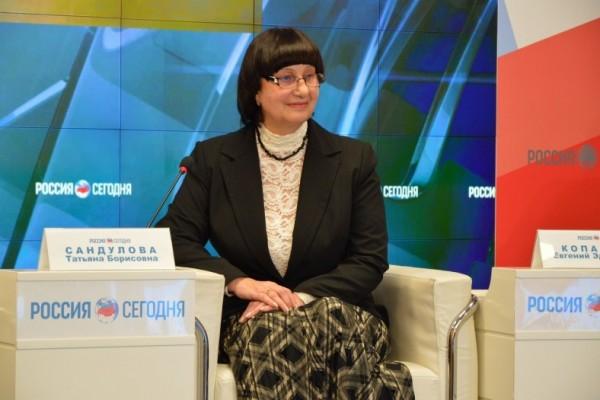 20170718-Депутат Заксобрания призвала правительство Севастополя не подвергать сомнению единство России