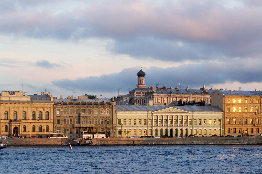 Река Нева. Английская набережная. Санкт-Петербург