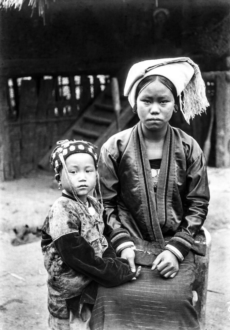 1029. Женщина с ребенком