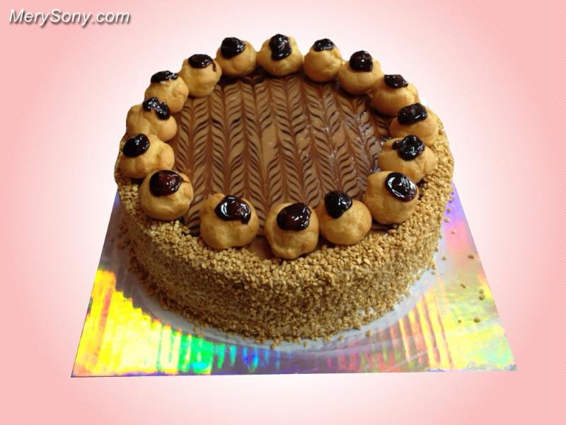 Необыкновенно аппатитный тортик.  С международным днем торта!