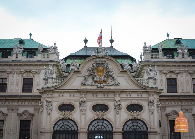 Фасад одного из дворцов в Вене