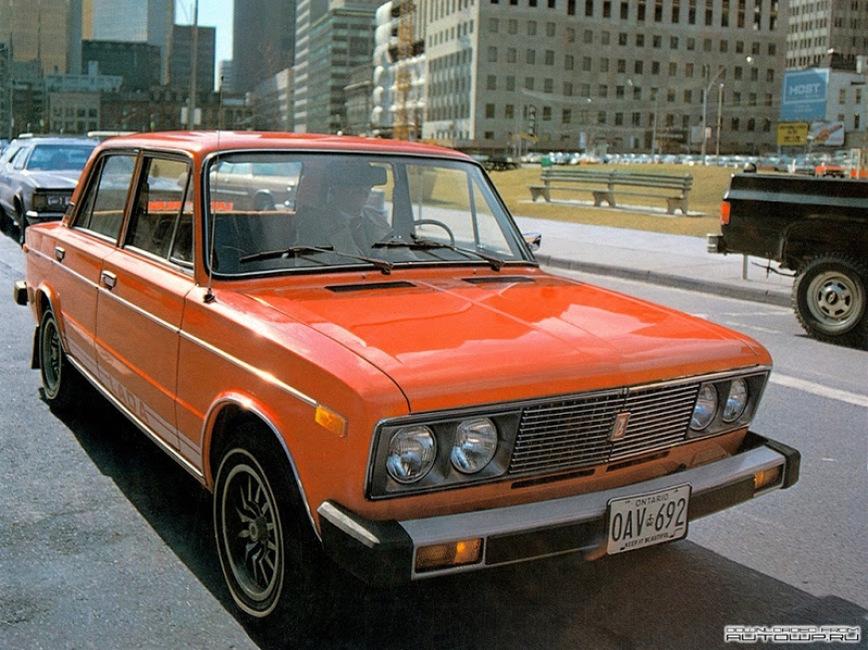 Автомобили в Канаду из СССР доставляли, естественно, кораблями через океан. Грузовые суда приходили