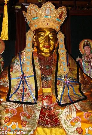 Мастер Цы Сянь считался уважаемым монахом, который путешествовал из Древней Индии в Древний Китай, ч