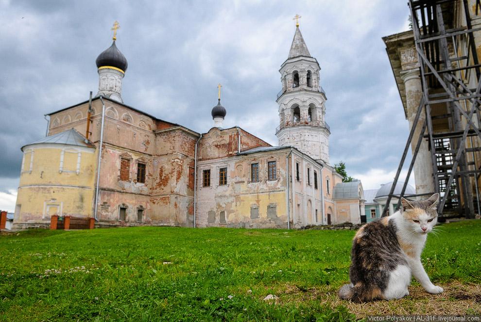 46. Такого большого количества интересной церковной архитектуры, как в Торжке, мне кажется, нет