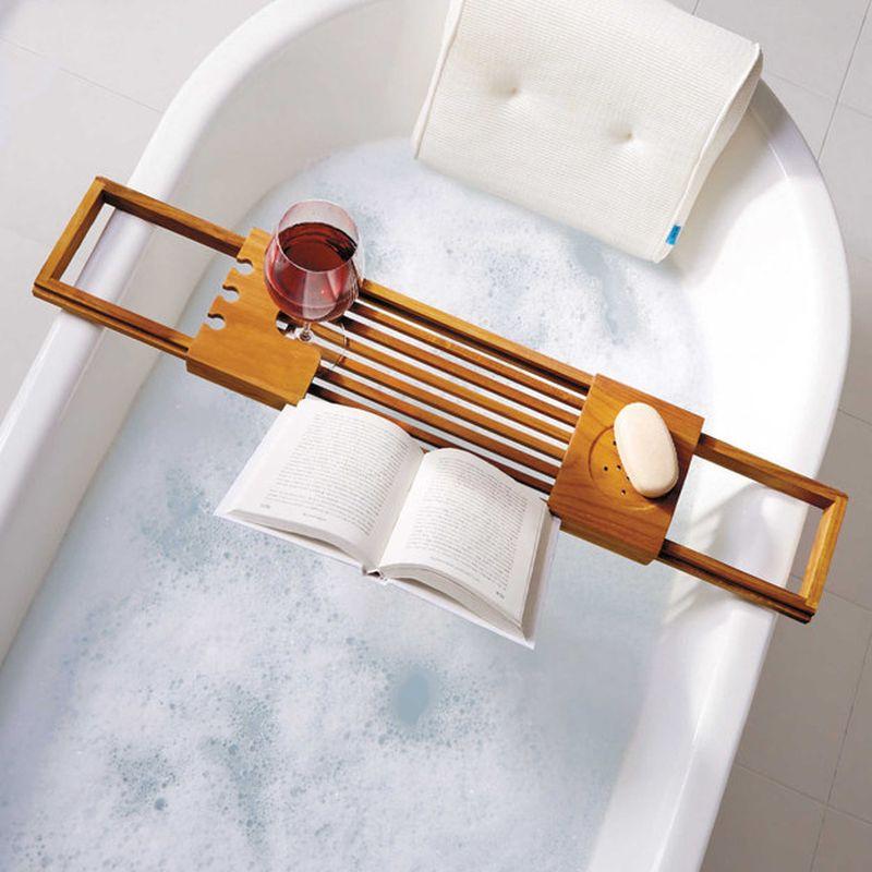 9. Полочка для еще более прекрасного, чем обычно, времяпрепровождения в ванне.