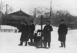 Группа распорядителей соревнований в Юсуповом саду