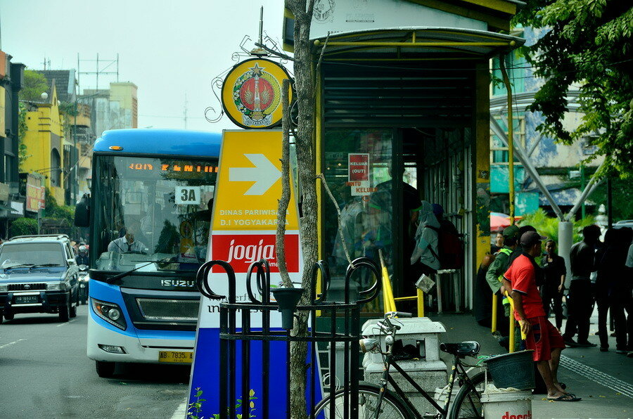 Автобус в Джокьякарте