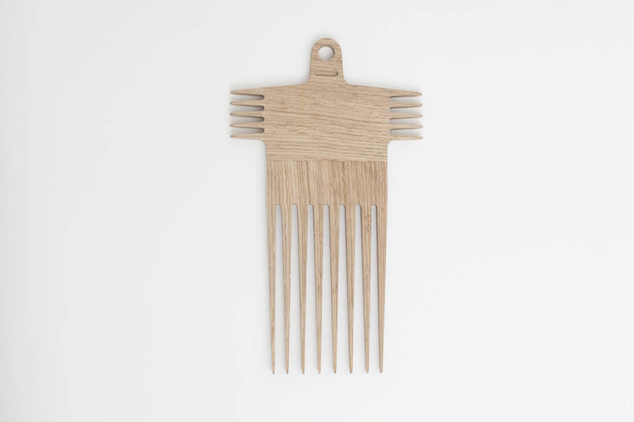 Comb by George Sneghkin .
