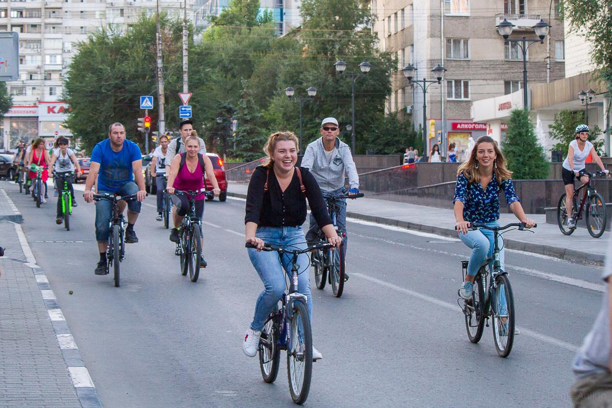 велопарад Леди на велосипеде фото 2