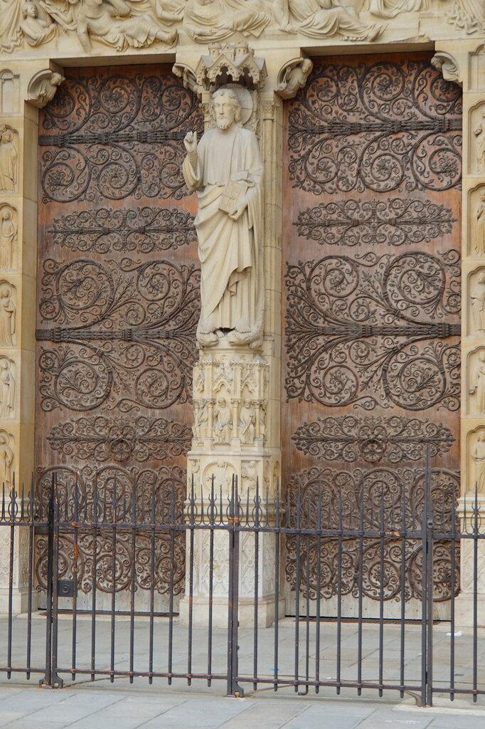 Кованые ворота работы Бискорне