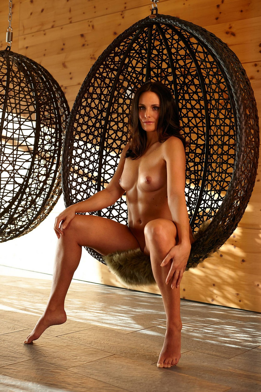 Кристина Гайгер обнажилась для фотосессии