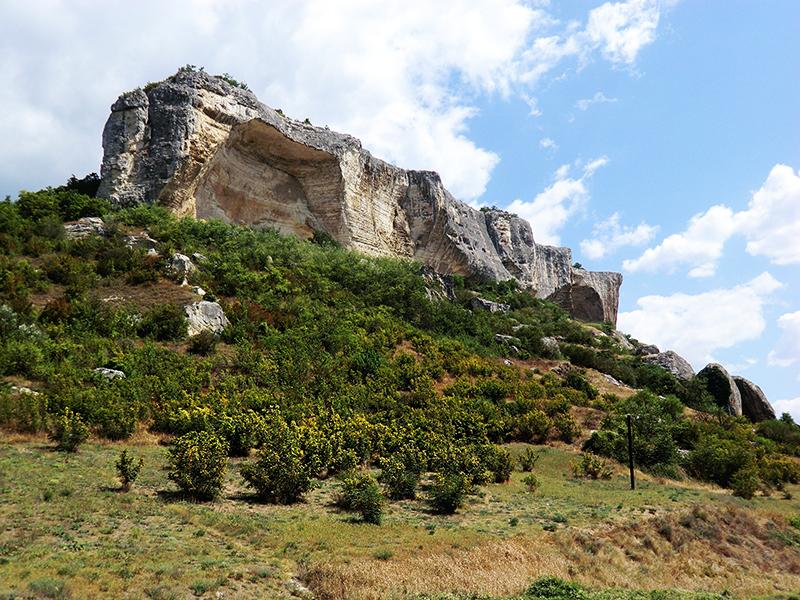 Крым Качи-Кальон Общий вид пещерного монастыря