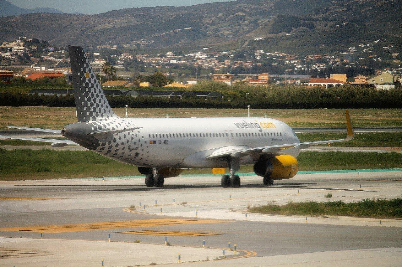 Airport Malaga-Costa del Sol. EC-MDZ A320-232 Vueling