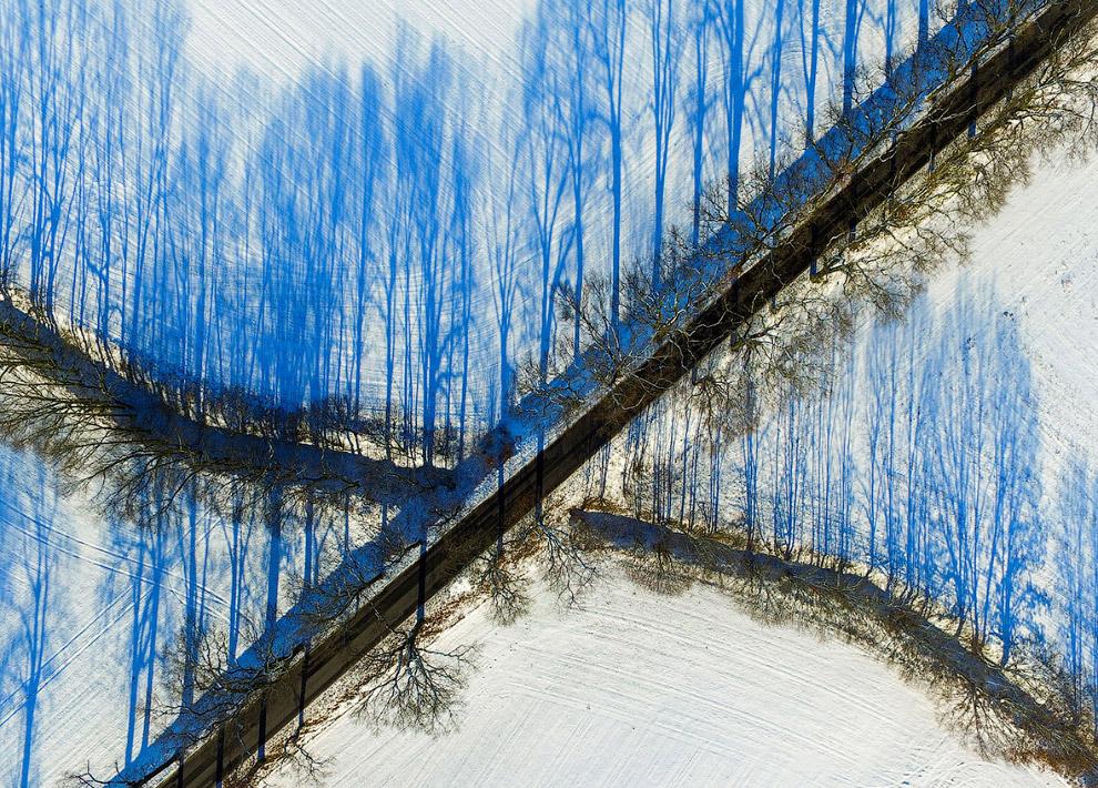 14. Льдины у берегов на реке Одер. Одра образует часть границы между Польшей и Германией. (Фото