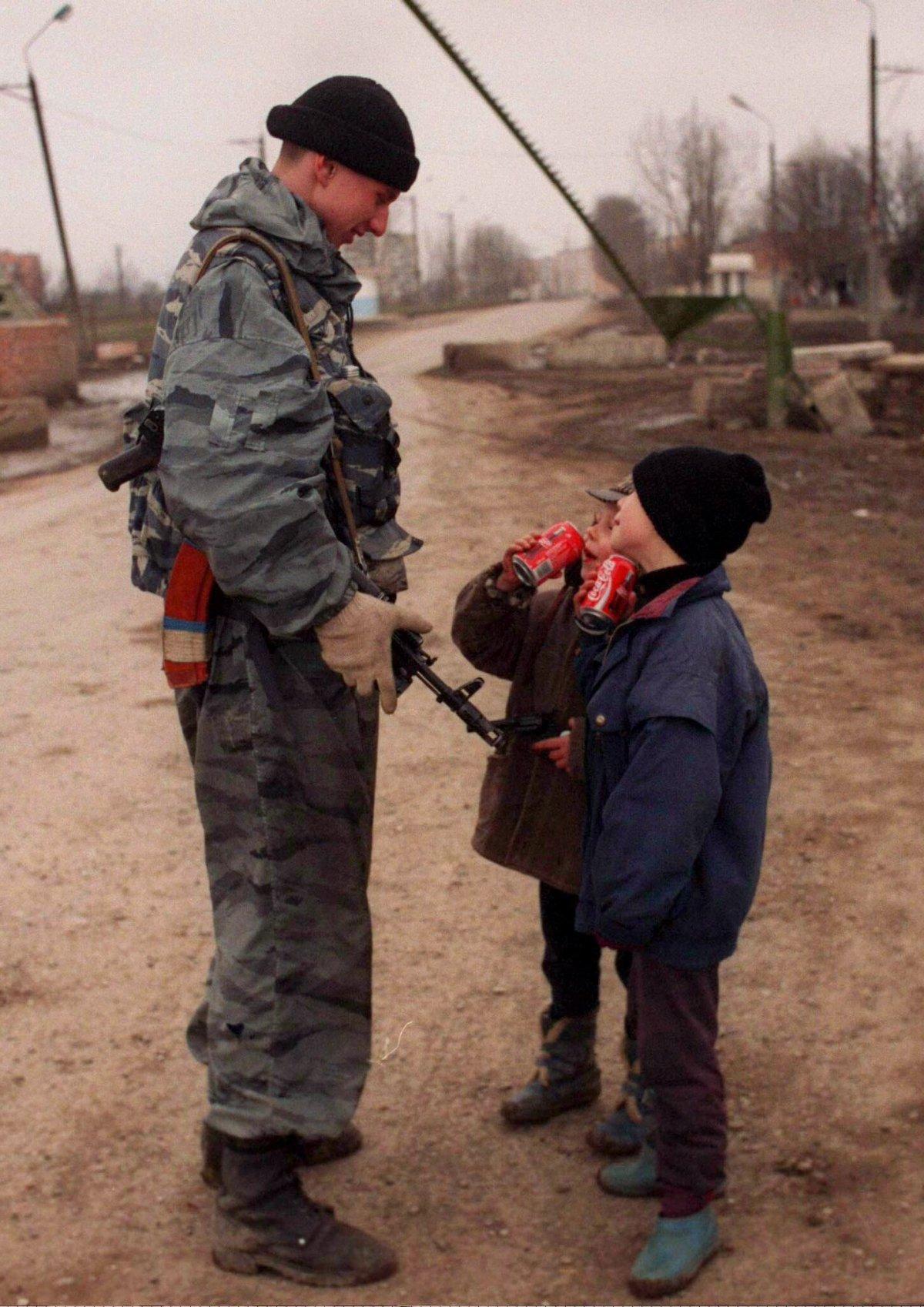 Неподалеку от Грозного, март 1996 года.