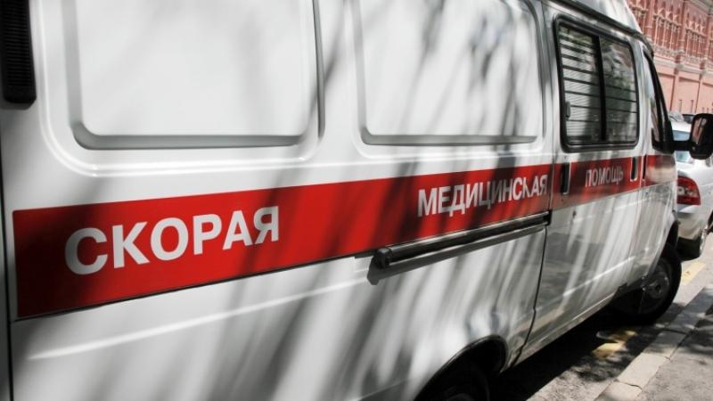 ВНовосибирске ребенок провалился под землю наасфальтированном тротуаре