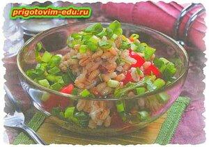 Салат из перловки с рукколой