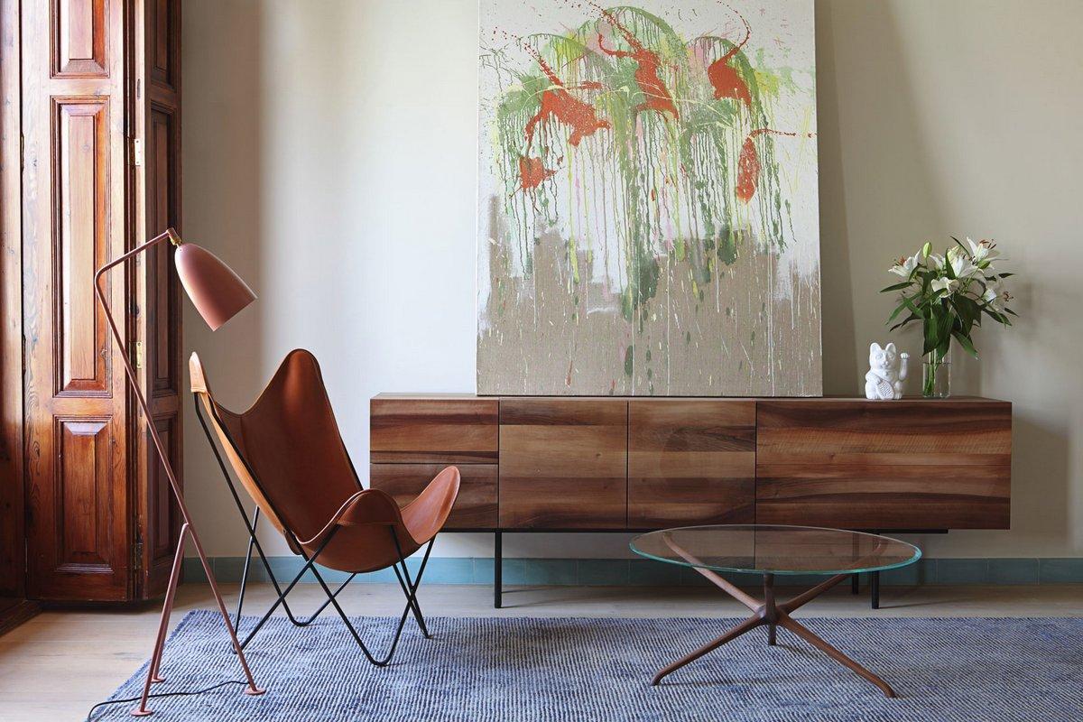 Дизайнерское кресло в квартире