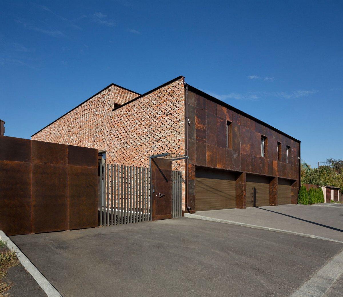 Фасад дома из листового металла