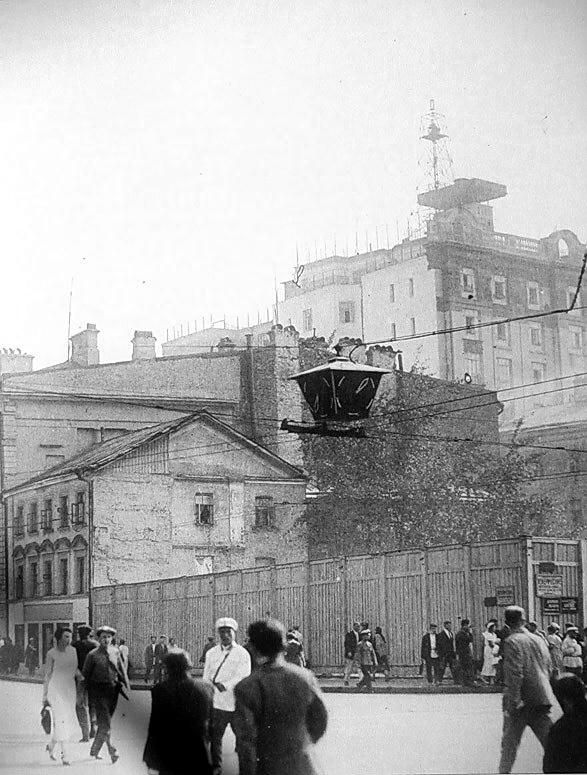 4330 Пушкинская площадь. Снесённая церковь Дмитрия Солунского 1934-35.jpg