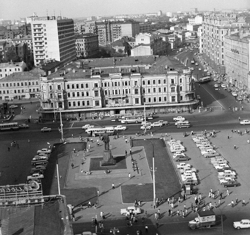 580249 Площадь Маяковского 1966.jpg