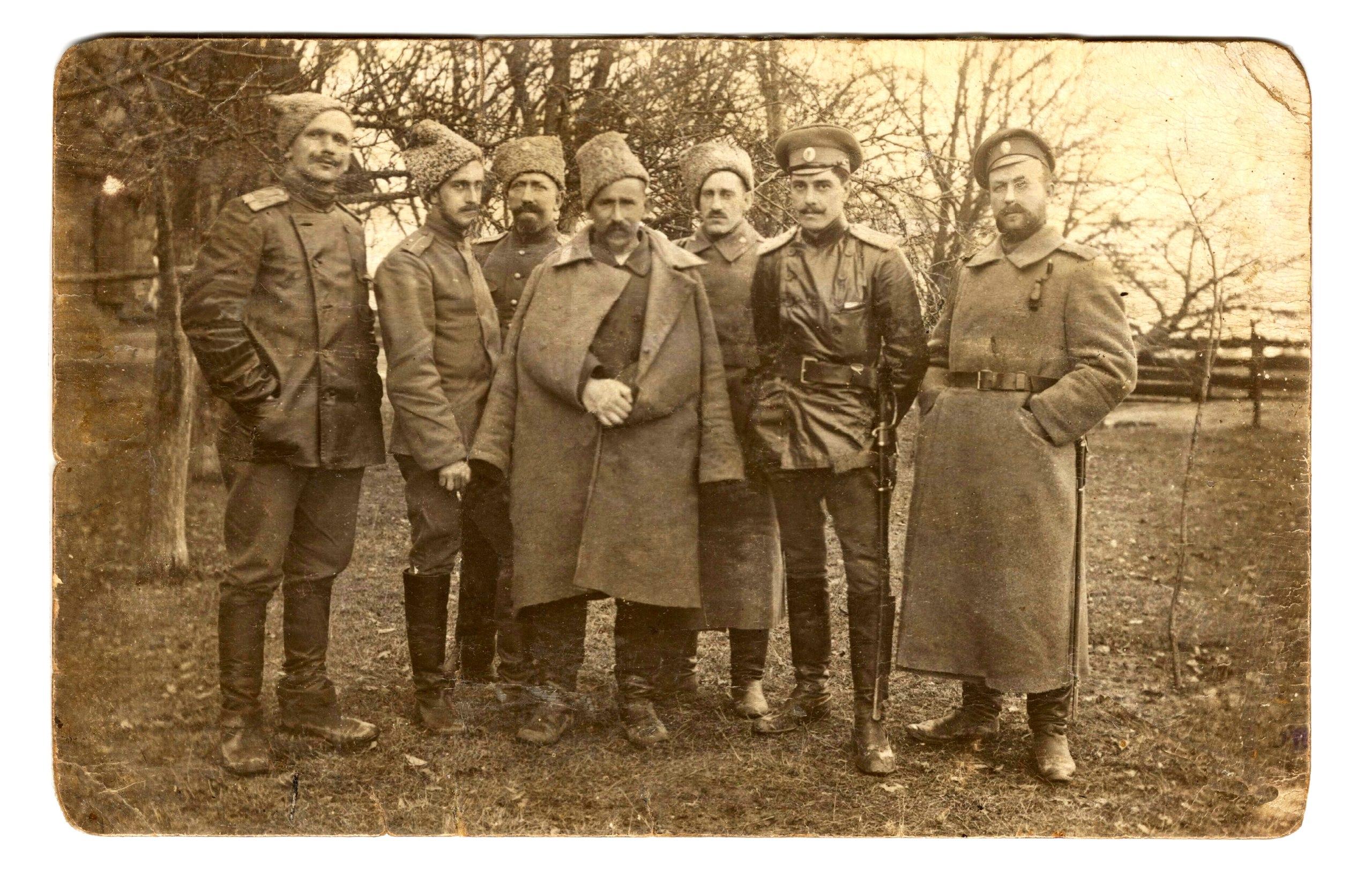 Группа_офицеров_87-го_пех._Нейшлотского_полка,_13.02.1915.jpg