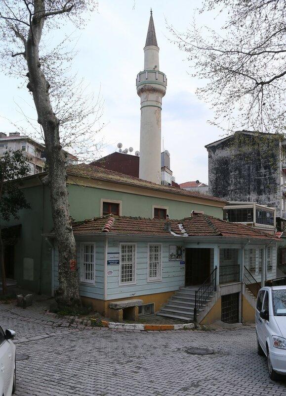 Istanbul, Beyoglu.  Mosque of Muhittin Molla Fenari (Muhyiddin Molla Fenari Camii)
