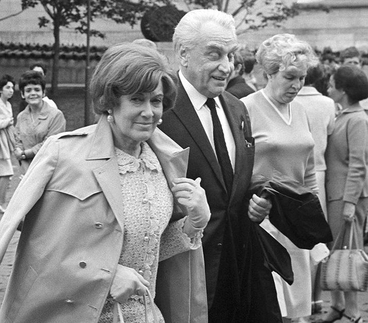 В фильме «Скворец и Лира» (1974 г.) 71-летняя Орлова снималась в роли молодой разведчицы.