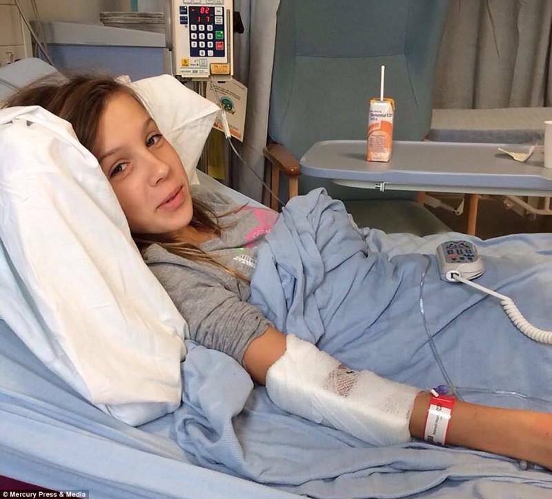 Насмешки начались два года назад, после того, как Шэннон две недели провела в больнице. Потом оскорб