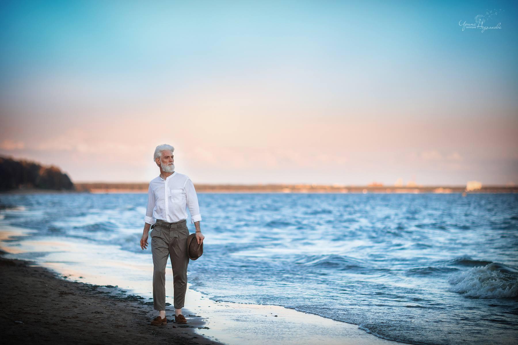 Трогательная фотосессия пожилой пары от российского фотографа (21 фото)