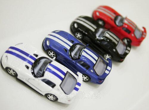 Kinsmart Dodge Viper GTS-R