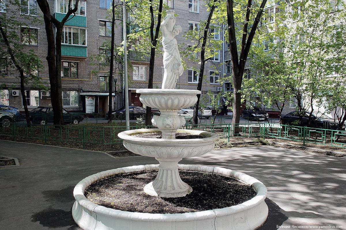 30. Улица Чаянова. д16. фонтан. 22.05.17.02..jpg
