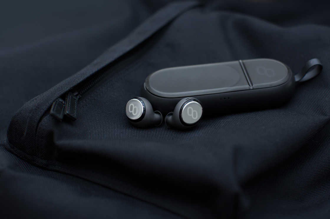 Mymanu Clik - Earphones capable of translating in real time