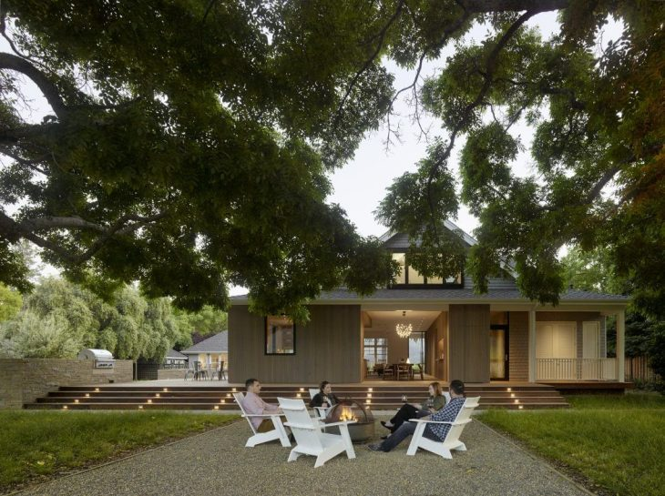 Located in Calistoga, a small town in Northern California's Napa Valley, this renovated farmhouse is