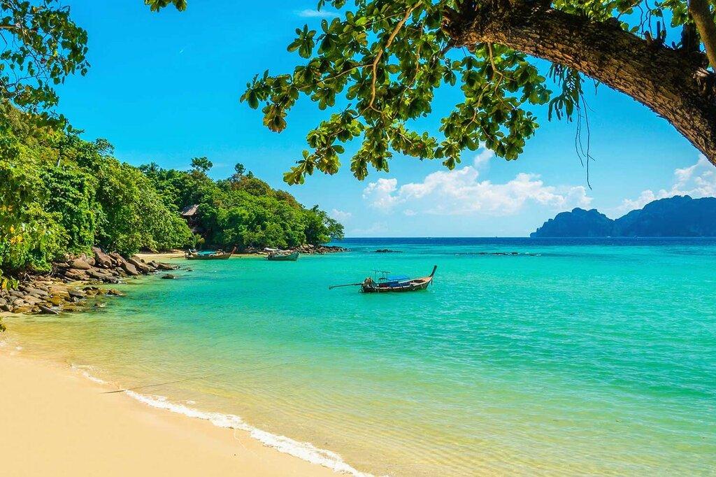 indonesija-bali-pljazh-okean-lodka.jpg