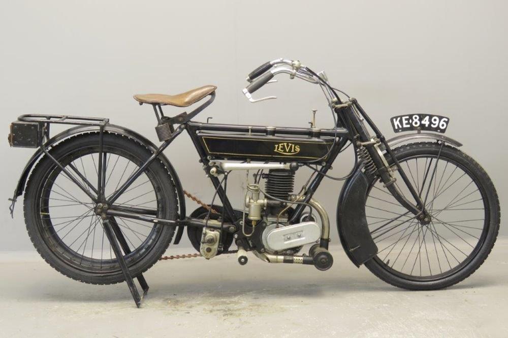 Старинный мотоцикл Levis Model T 1922